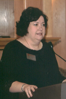 Kathy Davis making comments at the 2006 Excellence in Advising Award Reception